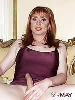British Amateur Tranny On High Heels Shows Cock