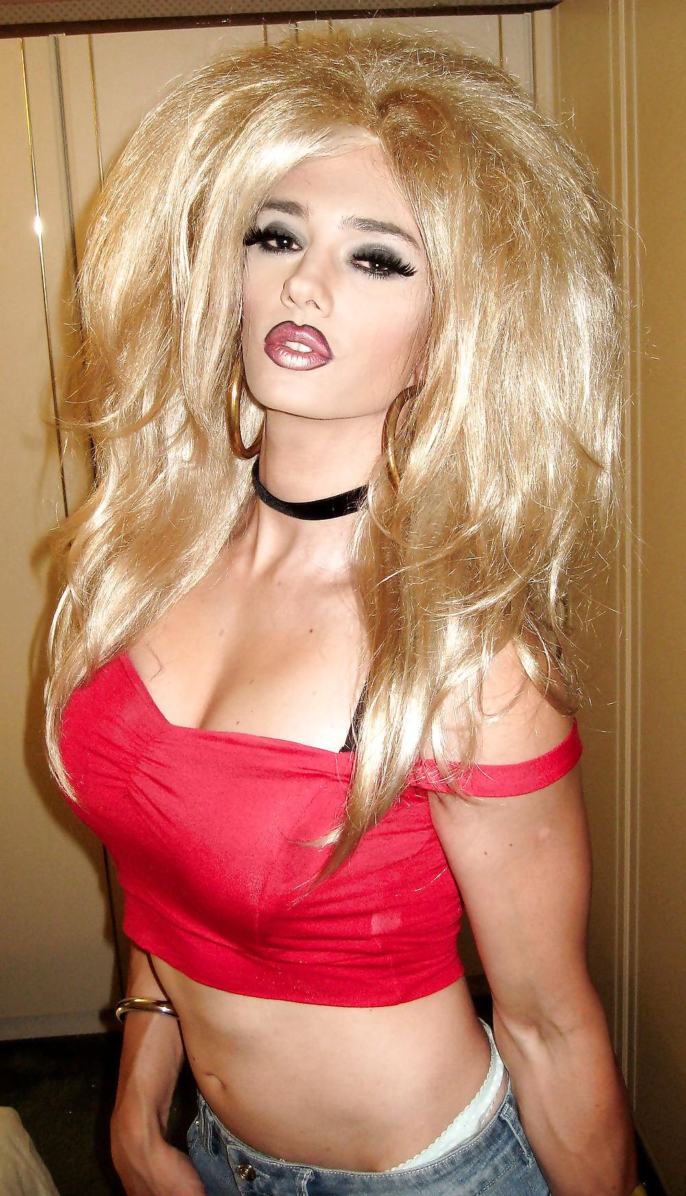 Blonde tranny do a massive handjob 7