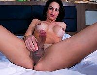 Amanda Bergman anal stuffed with a dildo