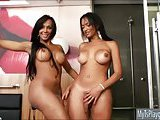 Shemales Ariadny and Michelly anal 3way