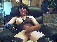 Smoking Tranny In Fetish Clothes Wanking