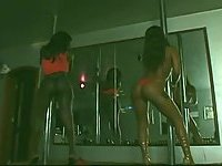 Ebony Tgirls works with a client