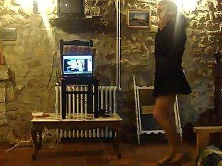 Amateur shemale dancing