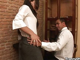 Man works in office with sultry trannys fucking
