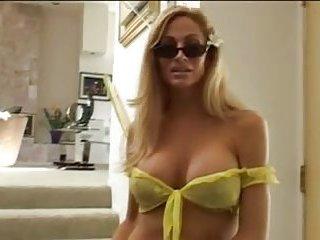 Blonde Thottie fucks in trio