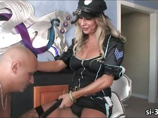 Domme tranny cop Ariel Everitts fucks guy