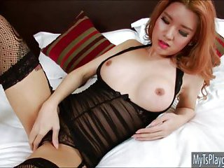 Pretty TS Lisa T shows ass and jerk off