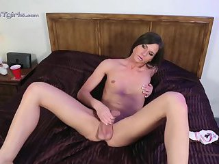 Michelle lounging and cumming